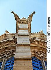 Gargoyles Chapel - Sainte-Chapelle Holy Chapel ornate...