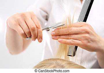 Undercutting the split ends of hair