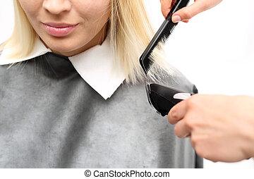 Cutting hair clippers