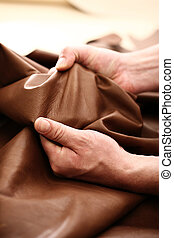The plant leather craftsman - Hands tailor to check the...