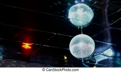 discoball mirrored disco ball light flashes - discoball...