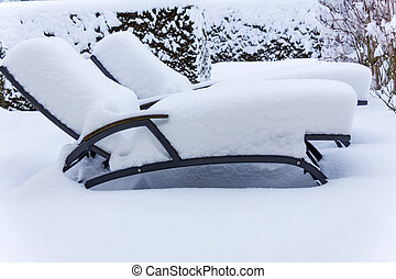 snowy garden furniture, symbolfoto for restaurants and...