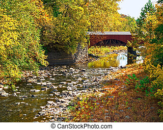 Tohickon Creek Aqueduct - The Tohickon Creek Aqueduct foot...
