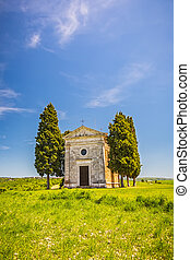 Chapel in Tuscany - Beautiful landscape with chapel in...