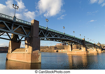 Garonne River and bridge Saint-Pierre in Toulouse, France -...
