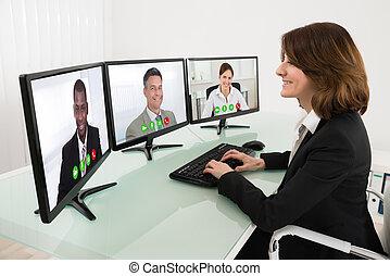 mujer de negocios, vídeo, Conferencia, en,...
