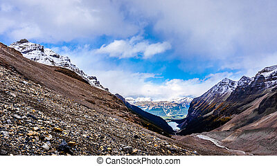 Mountain top view of Lake Louise - View Lake Louise from the...