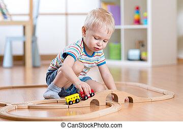 男の子, 彼の, 部屋, 列車, 子供, おもちゃ, 遊び