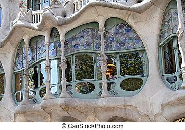 BARCELONA - AUGUST 13, 2007: The famous architect Gaudì ...