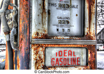 Vintage gas pump 1955 - Vintage gas pump with 72 cents per...
