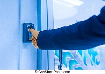 Fingerprint machine - An Fingerprint machine server safety