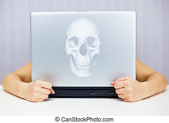 Deadly laptop connected to Internet - Deadly laptop...