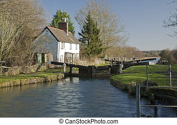Cobblers Lock on the Kennet and Avon Canal near Hungerford,...