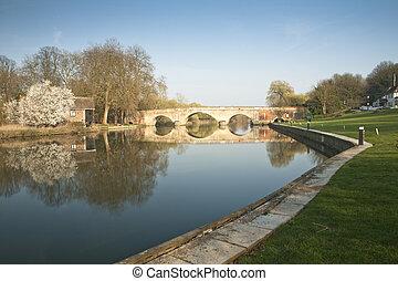 Shillingford Bridge over the River Thames in Oxfordshire, Uk