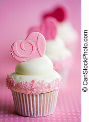 Valentine cupcakes - Cupcakes decorated with fondant hearts...