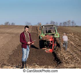 campo,  tractor, granjero