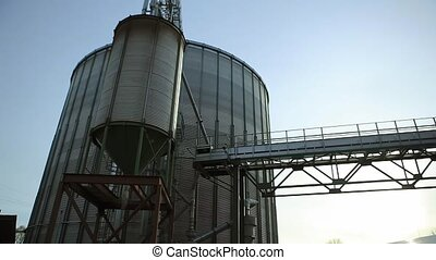 Tanks For Storage of Grain Granary with Lots of Flare -...