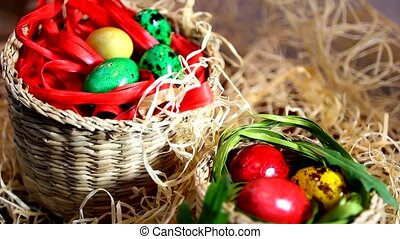 Lovely Easter eggs in baskets - Quail colored Easter eggs in...