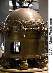 Ancient Chinese seismograph in science museum