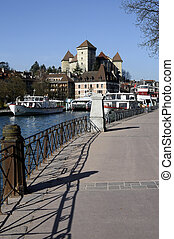 Boats, city and castle of Annecy - Walkpath along Annecy...