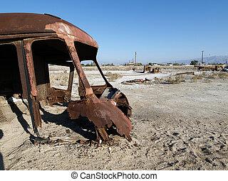 Desert Apocalypse - Lost civilization near California\'s...