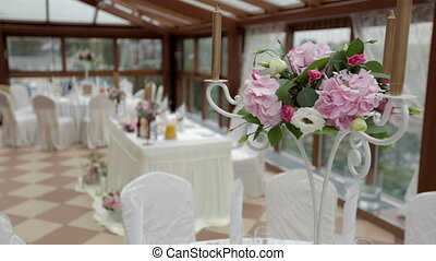 floral decorations in the restaurant