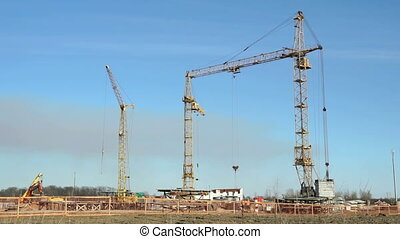 Construction of large high-rise apartment complex -...