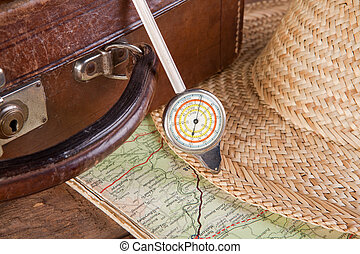 Distance meter and suitcase - Antique distance meter, map...