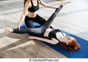 trainer, been, Persoonlijk,  Workout,  Stretching, portie, vrouwlijk, meisje