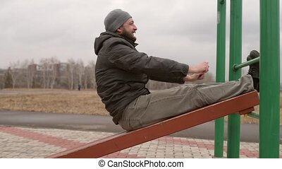 Man exercising abs