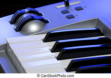 Synthesizer keyboard and controls - Synthesizer keyboard and...