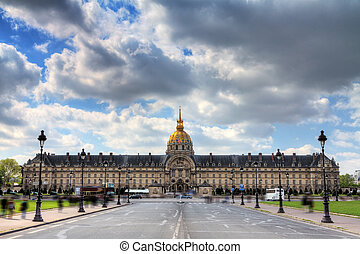 Invalides spring cloudscape - Spring clouds over Invalides...