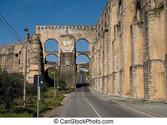 Roman aqueduct - The Roman aqueduct of Elves in Portugal