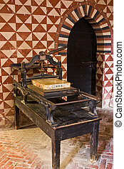 Ancient printing press - Medieval printing press, Italy,...