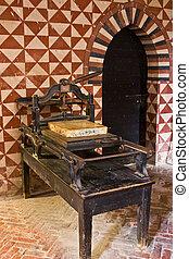 Ancient printing press - Medieval printing press, Italy,...