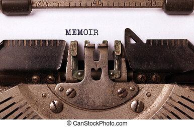 Vintage typewriter - Memoir - Vintage typewriter close-up -...