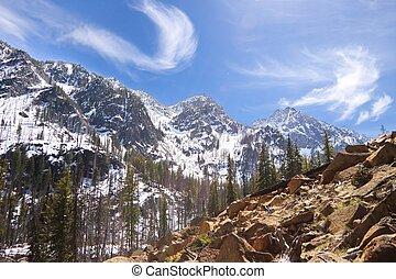 cascata, montanhas