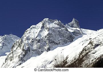 Caucasus Dombay Sofrudzhu