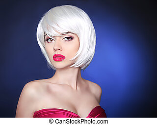 Makeup. bob hairstyle. Fashion Beauty Blond Girl