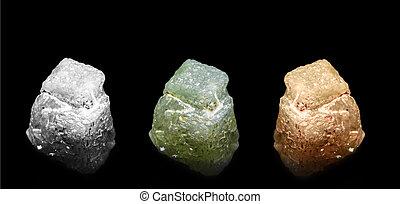 Diamonds - Diamond crystals