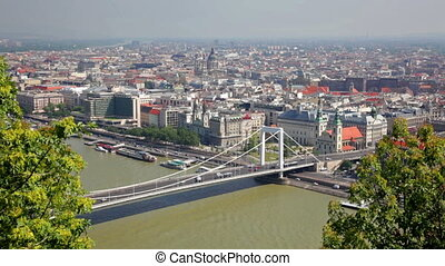 Summer view of Elisabeth Bridge across Danube, Budapest -...