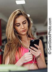 Gymnase, blond, musique, Écoute, téléphone