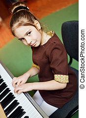 很少, 鋼琴, 女孩, 玩