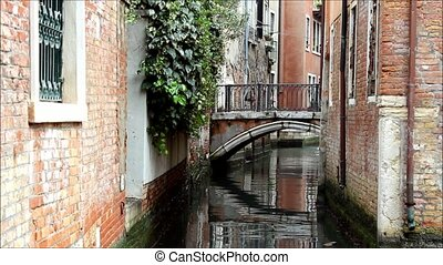 Venice Canal Bridge Houses - Small canal in Venice, Italy A...