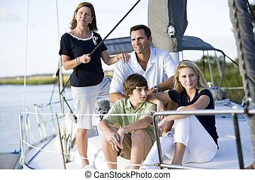 familia, Adolescentes, relajante, juntos, barco