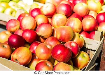 Apple Healty Fruit - Apple healty fruit on market