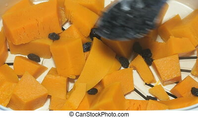 Preparation of pumpkins on a couple in a steamer -...