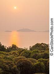 Taihu Lake in Wuxi, Jiangsu beautiful sunset