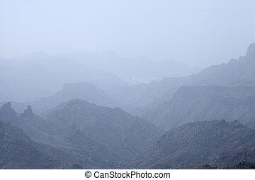 Gran Canaria, Calima u=in Caldera de Tejeda - Gran Canaria,...