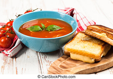 Tomato soup and basil - Tomato soup with cheese sandwich